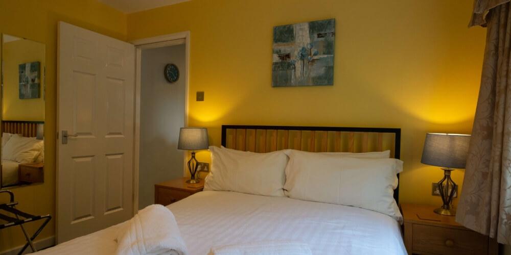 Chestnut Apartment Double Bedroom