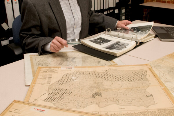 Analysing Archival Maps