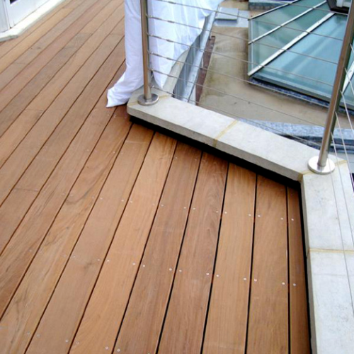 Russell Construction (Richmond) Ltd based in Kew Gardens, London are <b>FENSA</b> approved bespoke joiners