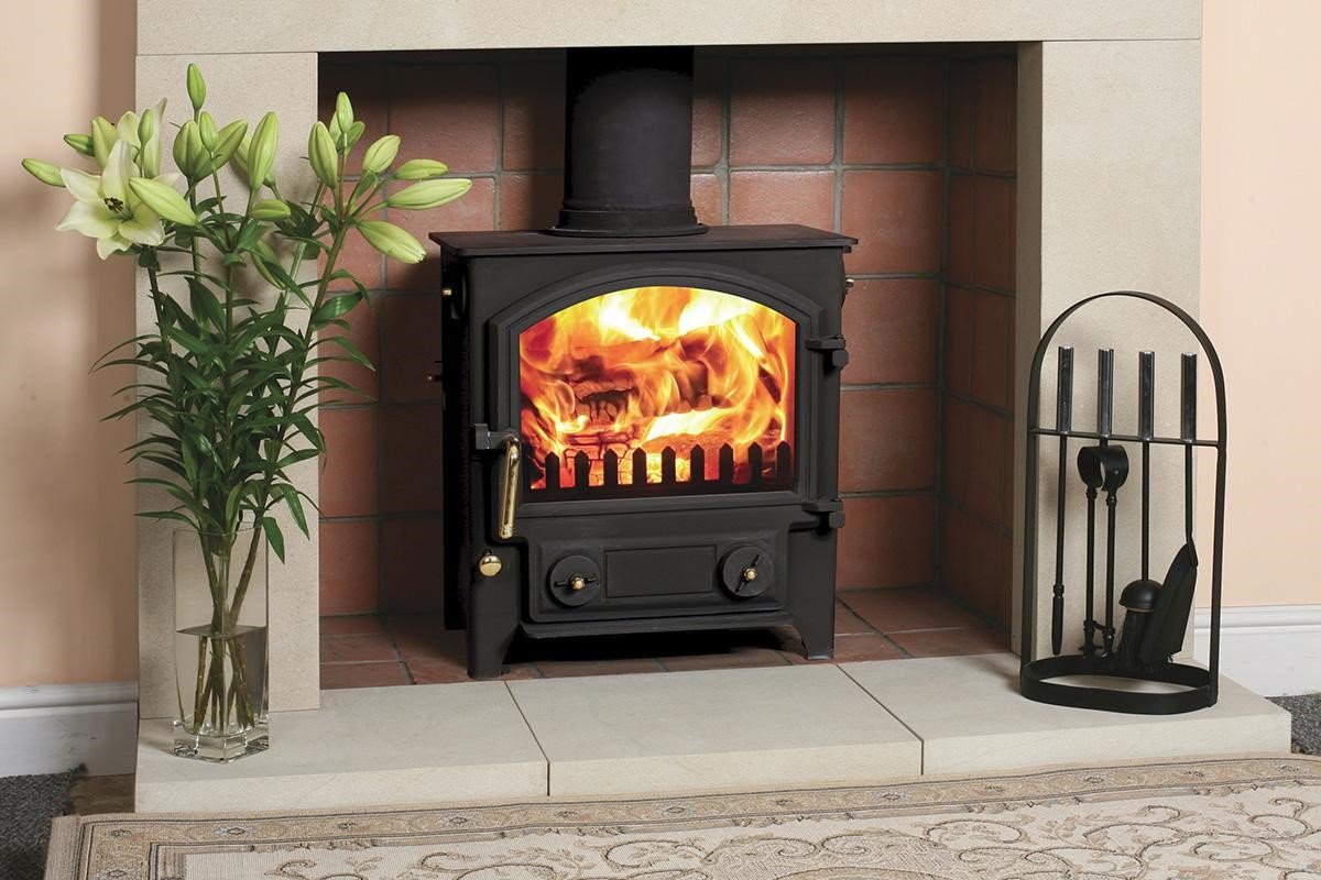 invicta kaminofen test amazing royal nosta tiled stove. Black Bedroom Furniture Sets. Home Design Ideas