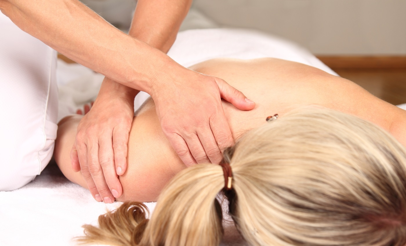 Эротический массаж для блондинки 29 фотография