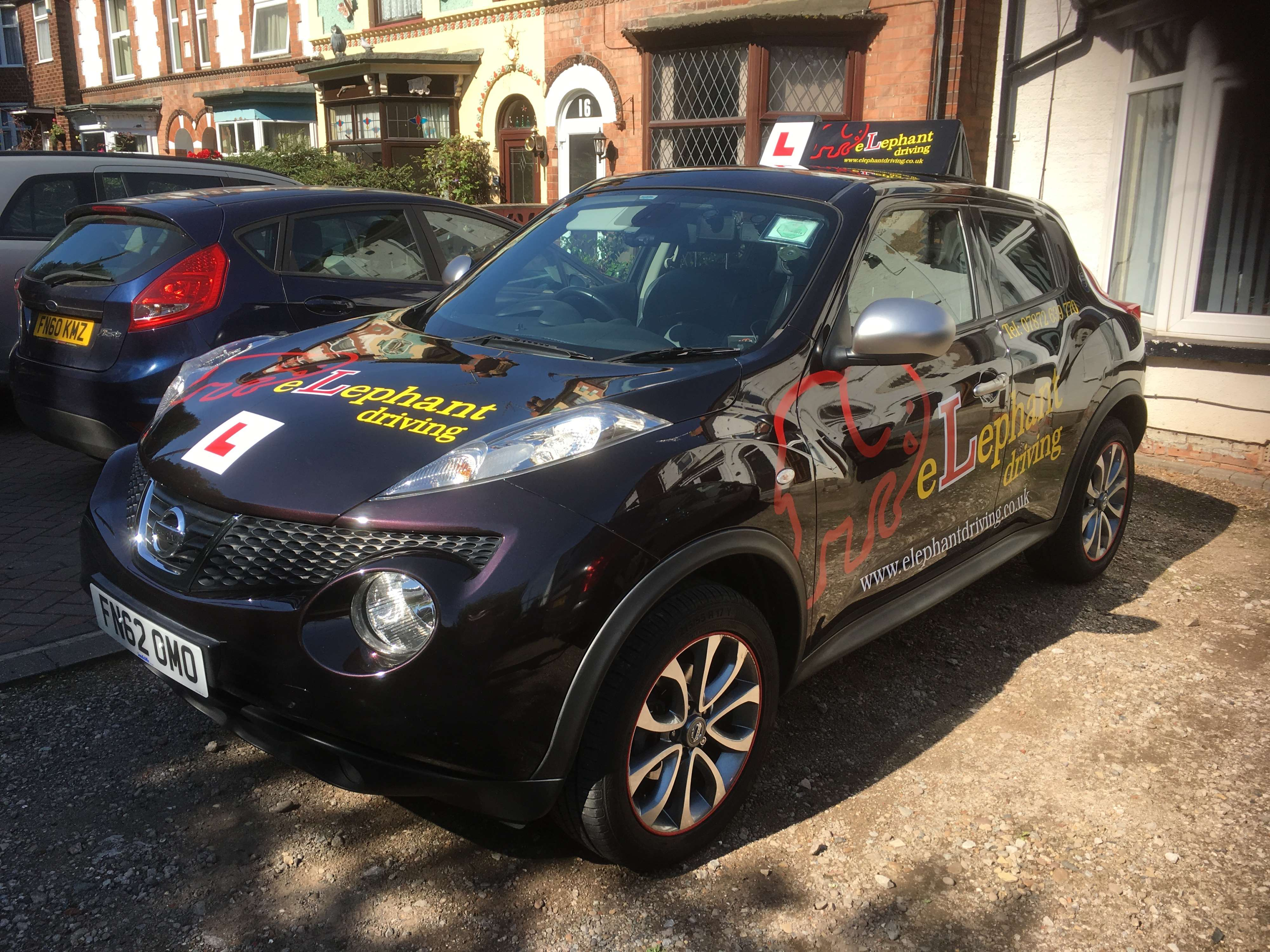 Book Driving Lessons In Nottingham