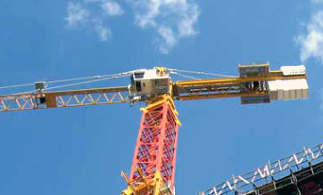 A Engine Pwered Crane