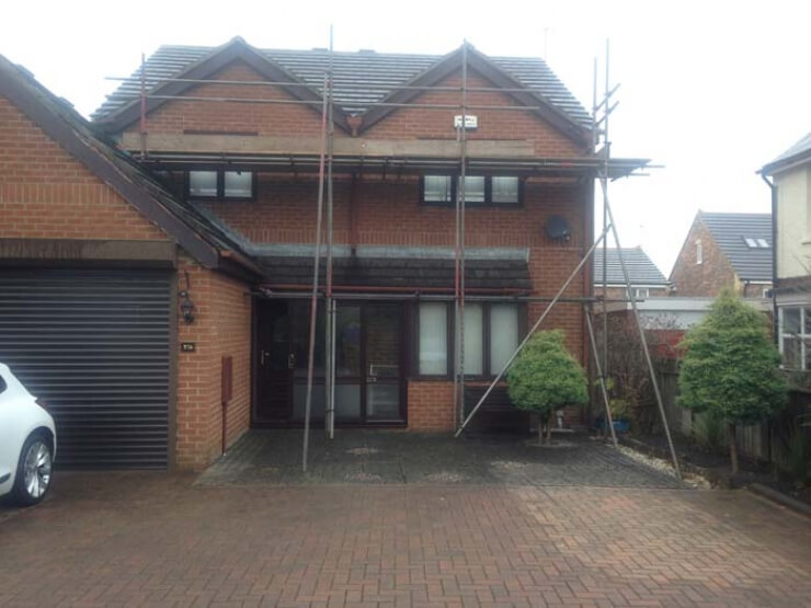 construction of house scaffolding