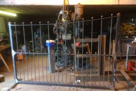 Newly welded gate