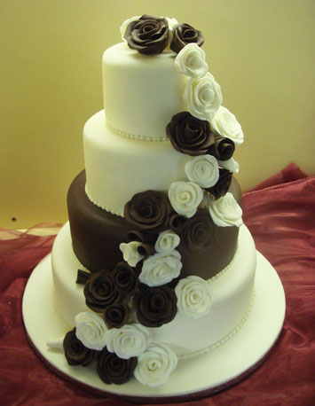 A balck and white wedding cake