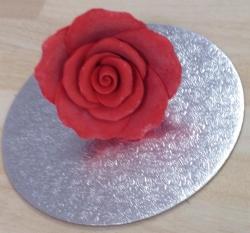 Red 4cm Rosebud