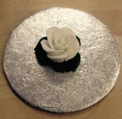 White 3cm Rosebud