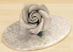 Silver Medium Rosebud