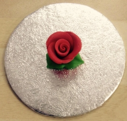 Red 3cm Rosebud