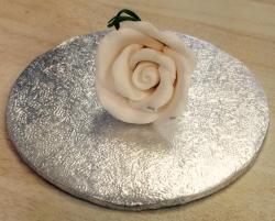 Cream 4cm Rosebud