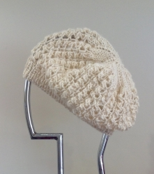 Lacy Beret in Apricot & Chase