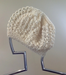 Lacy Beret in Angel