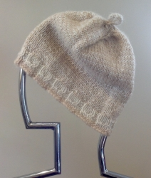 Snowlynn Hat in Apricot & Chase & Luminessence