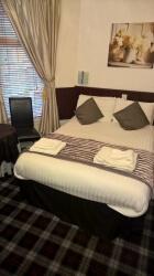 Deluxe Double En-suite Room.