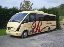 24 & 33 seat Midi Coaches
