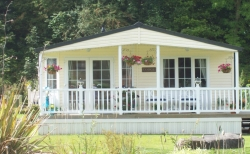 2 bedroom lodge for sale £55,000