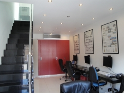 Bright & Modern Self-Contained Office TO LET: Unit 2 Breasy Place Burroughs Gardens NW4 4AT