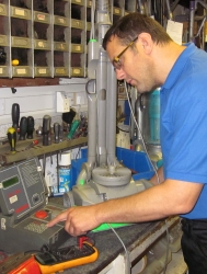Barlow's staff member fixing issue/servicing vacuum