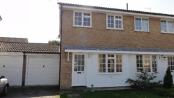 2 bedroom detached house with garage in Clevedon BS21 - Now Let