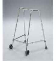 Narrow adjustable walking frame with wheels