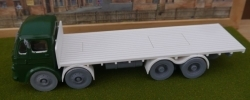 1/43rd scale Leyland Octopus 8-Wheeler flatbed truck