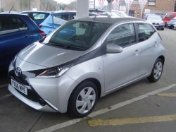 1666    AYGO 1.0 5DR X-PLAY, SILVER