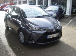1767    YARIS 1.5 HYBRID AUTOMATIC ACTIVE 5DR