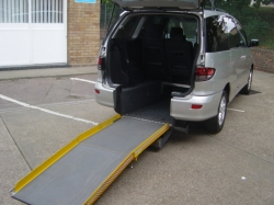 0656     PREVIA 2.4 WHEELCHAIR ADAPTED AUTOMATIC T-SPIRIT MPV