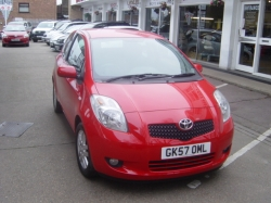 0757          YARIS 1.3 TR 3DR AUTOMATIC