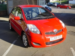 0959       YARIS 1.33 TR 5DR, RED