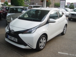 1717    AYGO X-PLAY AUTOMATIC 5DR 1.0, WHITE, ONLY 7K