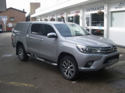 1717 HILUX INVINCIBLE 2.4 TURBO DIESEL DOUBLE CAB PICK UP 4X4