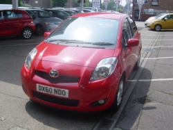 1060      YARIS 1.33 TR AUTOMATIC 5DR, ONLY 27,395 MILES