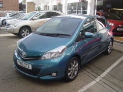 1313    YARIS 1.33 SR 5DR AUTOMATIC, TURQUOISE, ONLY 8K, FSH