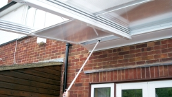 Etonnant The Aluminium Glazing Bars And Support Posts Can Be Painted In Any Colour  To Truly Personalise Your Sliding Roof.