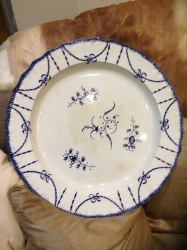 Large pearl ware charger
