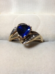 10ct gold ring with tanzanite and diamonds