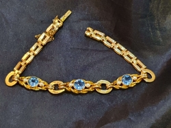 Beautiful late Victorian 15ct gold, topaz and pearl bracelet