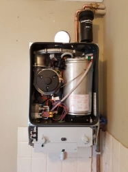 Another fantastic Worcester Bosch boiler that we fitted during final checks and commissioning.