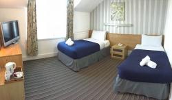 Twin En-Suite Bedroom