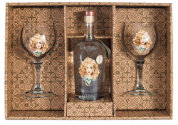 Daffy's Gin 70cl Gift Set inc. 2 branded gin glasses