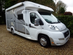 SOLD - 2011 DETHLEFFS GLOBE 4 T5881 - SOLD