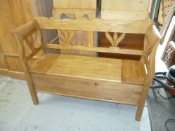 Tulip Back Dutch Bench 4ft