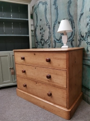 3 drawer Victorian pine chest of drawers SOLD