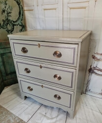 RARE Georgian 3 drawer chest with shadow pin stripe