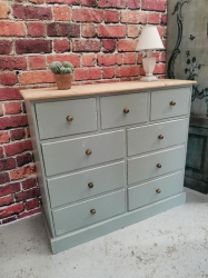 Painted and distressed multi drawer with 9 x drawers