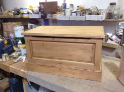 Fielded panel front blanket box in pine