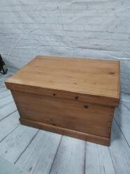 Restored pine blanket box