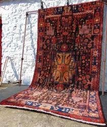 Nehavend, Persian. 305 x 163cm.  10' x 5' 4